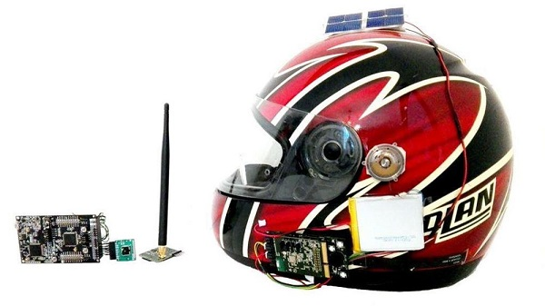 Il casco da moto intelligente