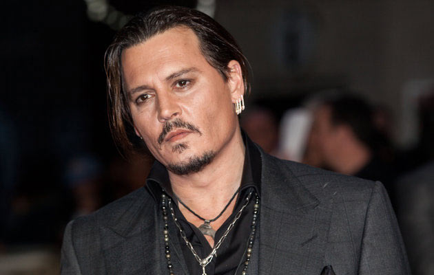 Johnny Depp spende due milioni di dollari al mese