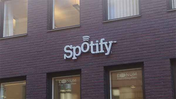 Spotify lancia la sfida a Youtube sui video online