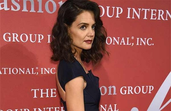 Katie Holmes magrissima sul red carpet