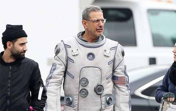 Jeff Goldblum si diverte sul set di Independence Day 2