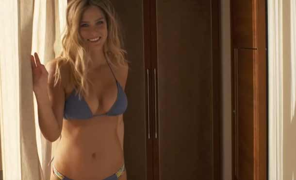 Bar Refaeli censurata in bikini ad Israele
