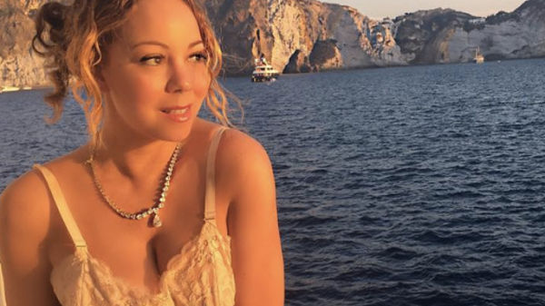 Mariah Carey in reggicalze sul red carpet