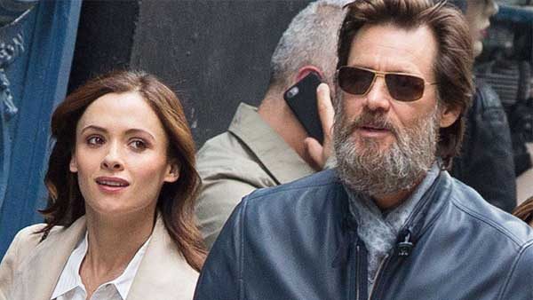 Jim Carrey amaro Hollywood distribuisce la vita privata come buoni pasto
