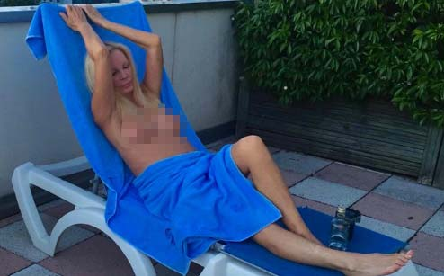 patty-pravo-mostra-il-topless