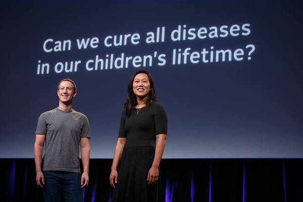Zuckerberg finanzierà la ricerca scientifica biomedica