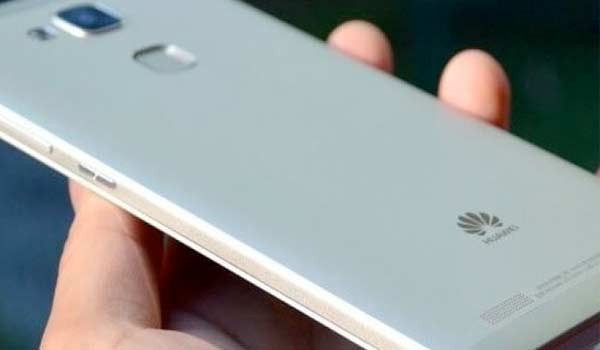 Con il Huawei P10 debutta in Italia l'assistente vocale di Amazon