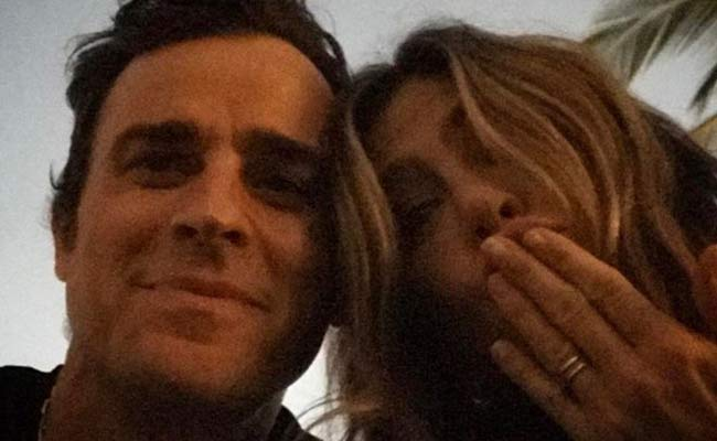 Justin Theroux un selfie per festeggiare Jennifer Aniston