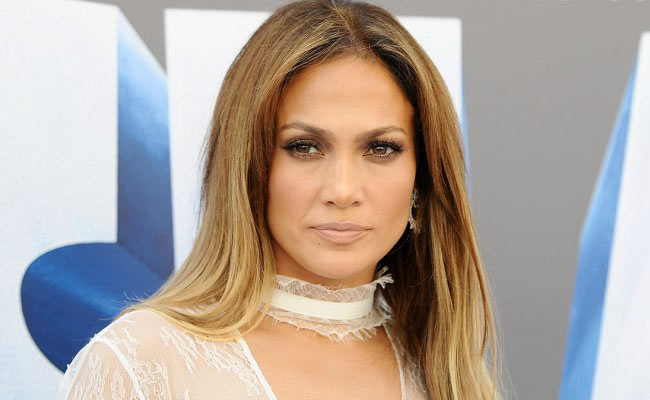 jennifer lopez padre dona tutto a scientology