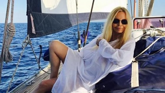 Patty Pravo spalla lussata