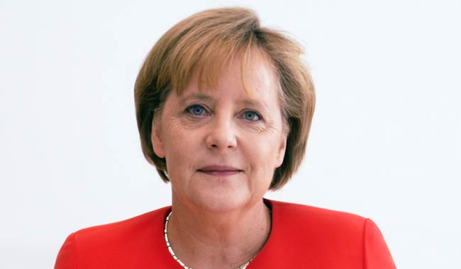 """Il premier Conte si fa """"beccare"""" a colloquio con la Merkel"""