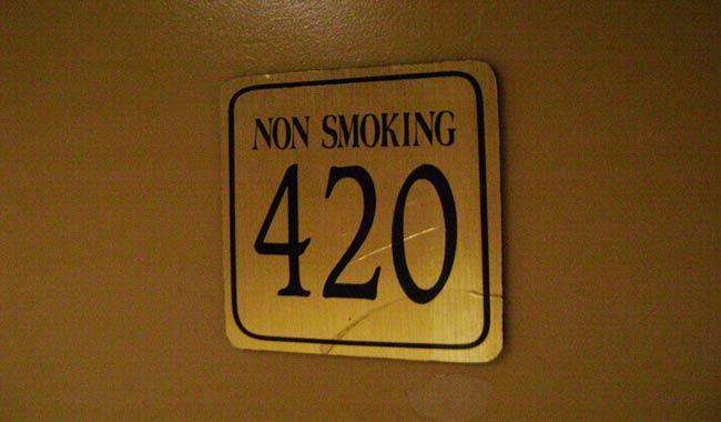 La stanza 420, un numero che molti hotel aboliscono