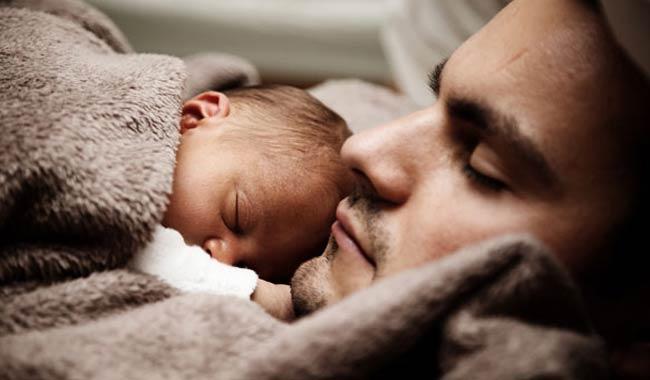 Quante ore di sonno perdiamo quando nasce un bambino