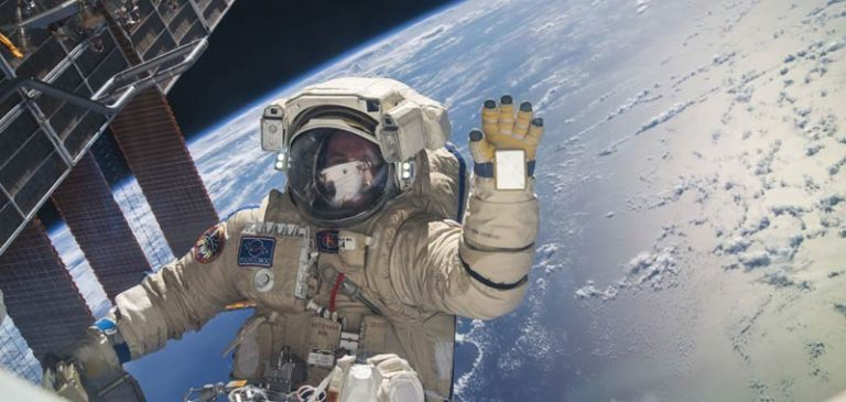 La Nasa taglia i video della ISS dopo l'incontro con gli UFO