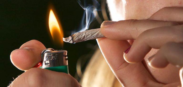 Le regole di una nuova Chiesa: potete fumare cannabis