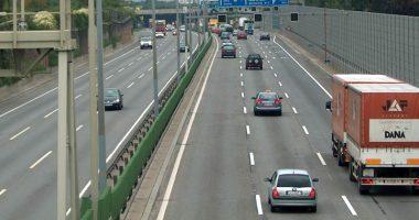 Bolzano uomo fermato mentre camminava nudo su autostrada