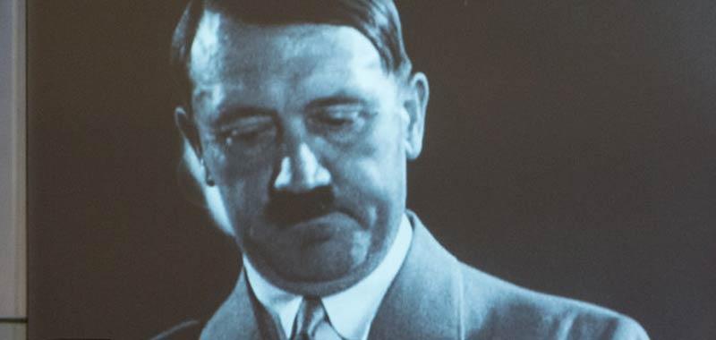 Hitler sostituito alla fine della seconda guerra mondiale