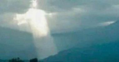 Incredibile immagine di Cristo fa gridare al miracolo