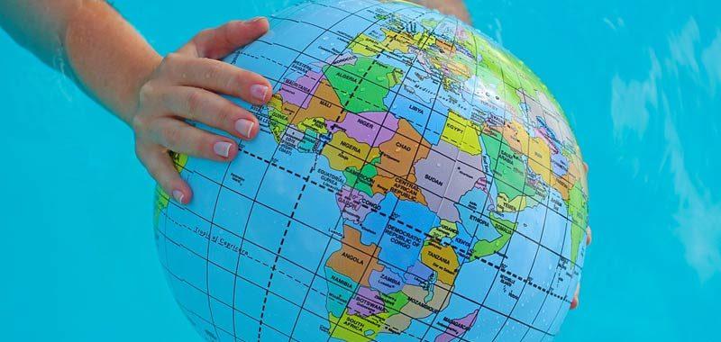 21 anni la piu giovane donna che ha viaggiato in tutto il mondo