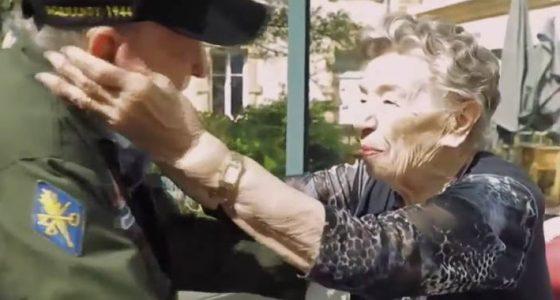 Si incontrano 75 anni dopo essersi innamorati