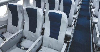 Si lamenta dei posti in aereo A chi spettano i braccioli centrali