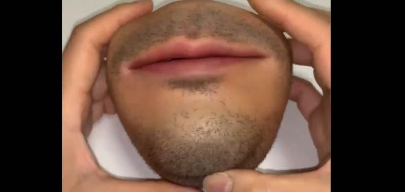 Un portamonete a forma di bocca sta sconvolgendo il web
