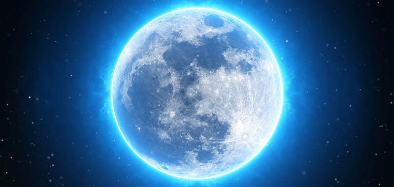 Una massa metallica misteriosa scoperta sotto un cratere della Luna