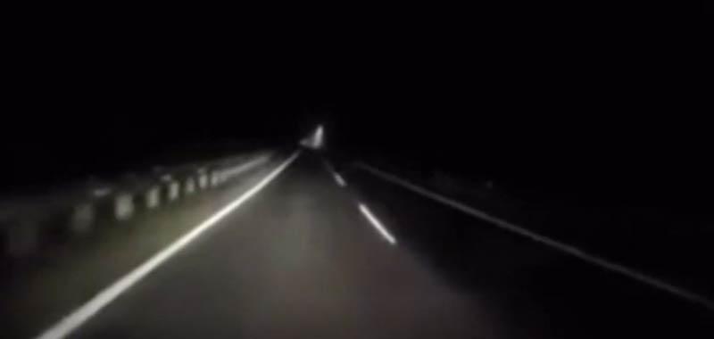 Automobilista terrorizzato in autostrada di notte