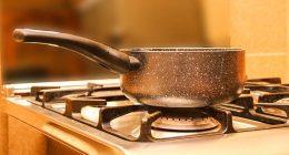 Fuoco in cucina sai come spegnerlo