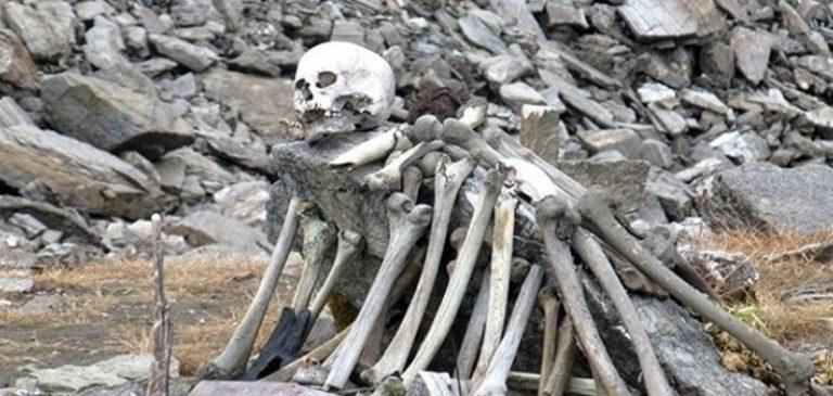 India: Il mistero dei centinaia di scheletri ritrovati