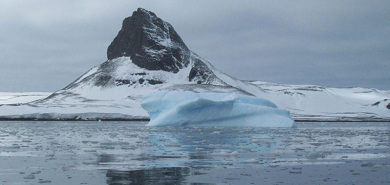 Antartide si e staccato un iceberg di miliardi di tonnellate