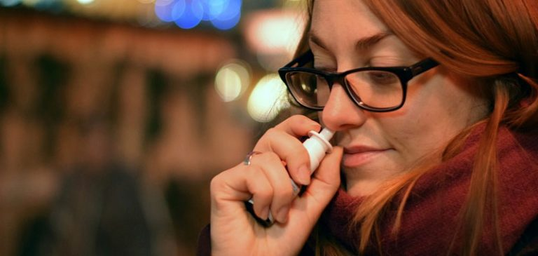Depressione, presto si potrà curare con uno spray nasale