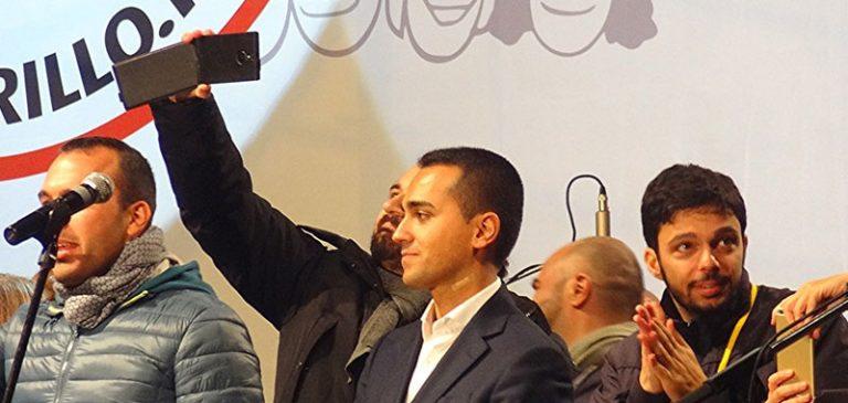 Napoli, assenze pesanti alla grande festa del Movimento 5Stelle