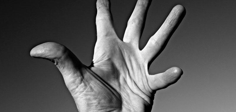 Non credere mai che le linee della tua mano predicano il tuo futuro
