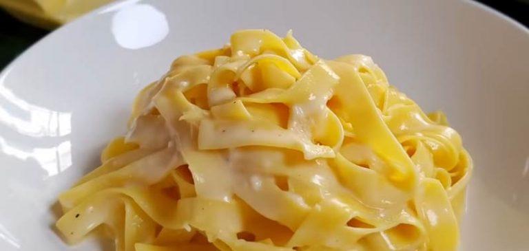 Fettuccine Alfredo, il piatto italiano che spopola all'estero