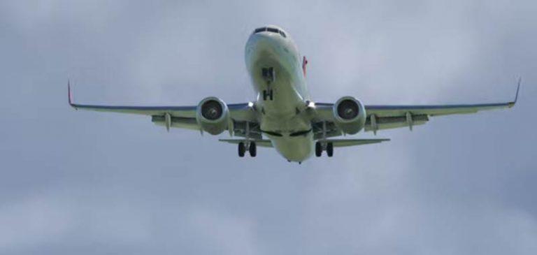 Odessa: Carrello dell'aereo collassa, il video della ricostruzione