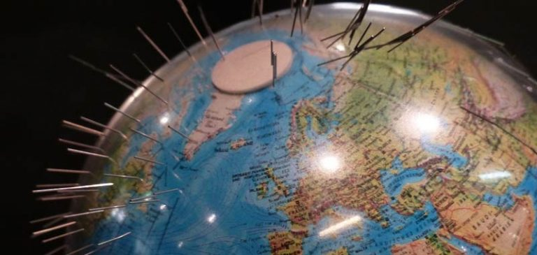 Confermato: Il polo nord magnetico si sposta dal Canada alla Siberia