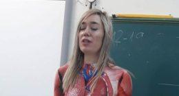 Insegnante si traveste in classe per mostrare il corpo umano
