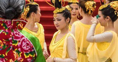 Cina alla festa di nozze neo sposo mostra video del tradimento della moglie