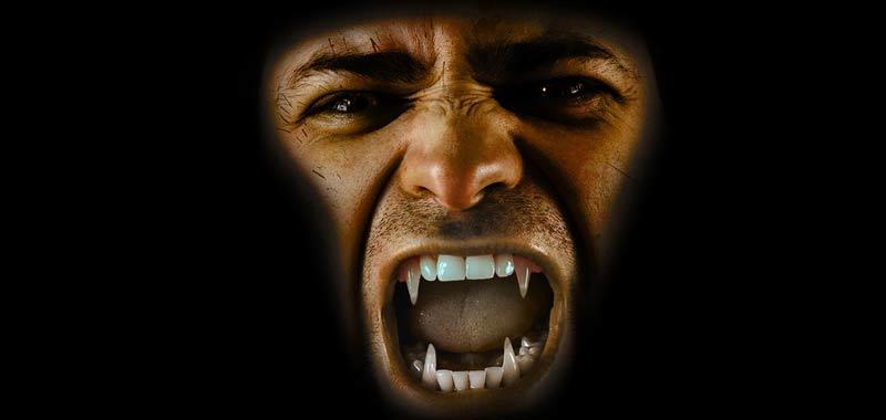 Media e vampiri moderni come film giochi e letteratura influenzano gli appassionati