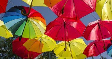 Aprire un ombrello in casa porta davvero sfortuna