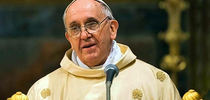 Il Papa non aprira ai preti sposati
