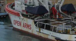 La Open Arms sbarchera a Pozzallo coi 363 migranti a bordo