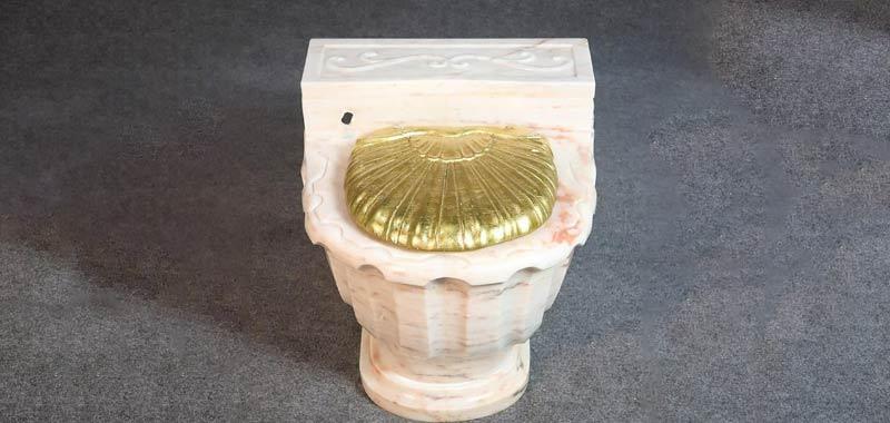 Le toilette doro di Frank Sinatra vendute a asta