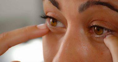Covid-19 come evitare di toccarsi la faccia