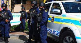 Distanziamento sociale in Sud Africa proiettili di gomma sui cittadini