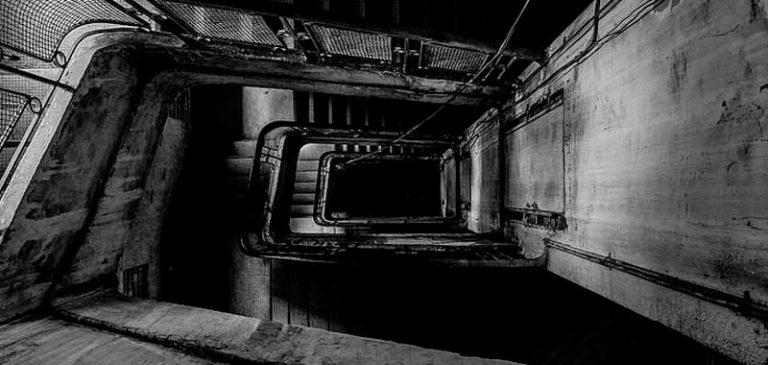 Entra nel suo appartamento e scompare, misteriosa storia in Russia