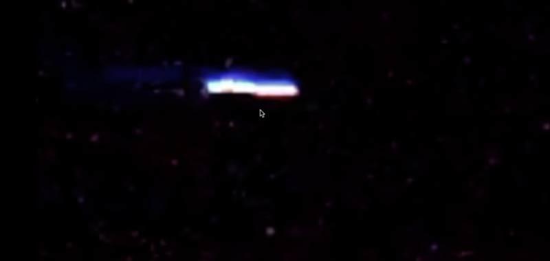 UFO a forma di sigaro sfreccia nei cieli del Nebraska