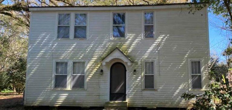 Agenzia immobiliare regala una casa ma c'è un problema
