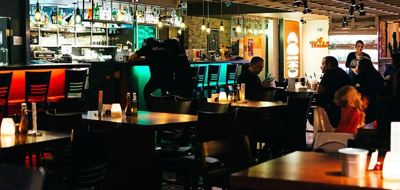Bar e parrucchieri riaprono ma con prezzi in netto rialzo